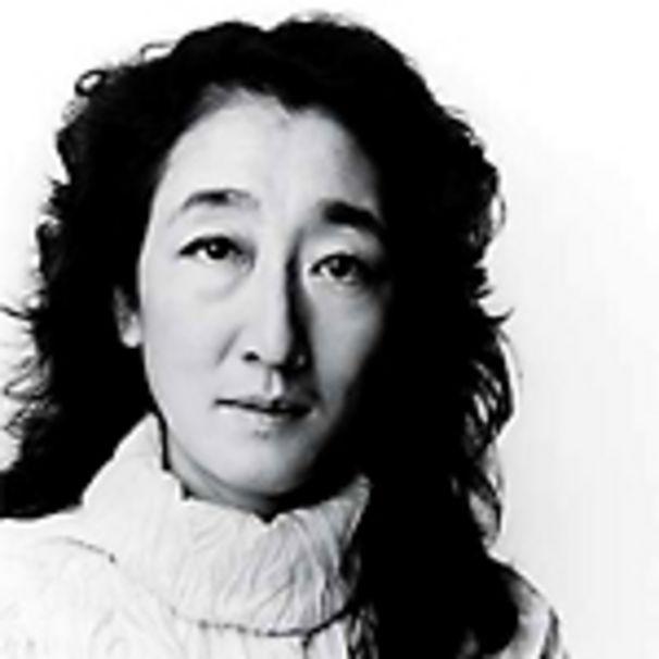 Mitsuko Uchida, Jugendsünden, Broterwerb