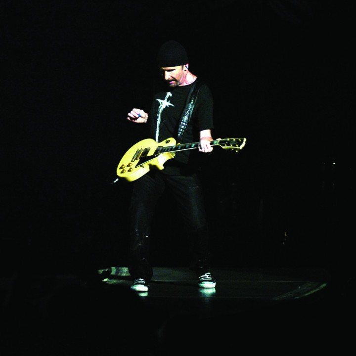 U2_Vertigo 2005 Live From Chicago_Motiv 4_300CMYK.jpg