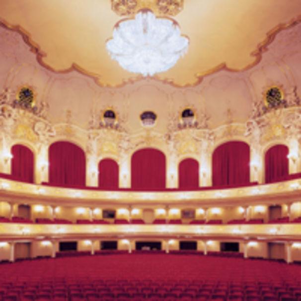 Komische Oper Berlin holt Henrik Nánási
