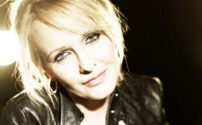 Kristina Bach, Kristina Bach unterschreibt Label Deal bei Koch Universal Music