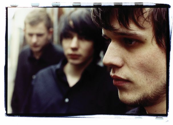 White Lies, Keine neuen Songs vor 2010