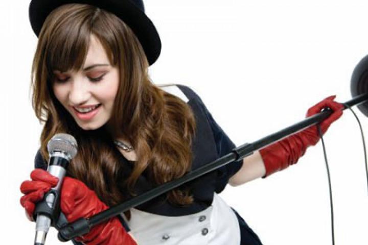 Demi Lovato - Genreweb 2009 - 2