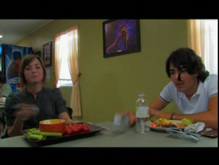 "Backstage Footage From Jonas Bros 2008 ""Burnin' Up ""-Tour (16:9 anamorph)"