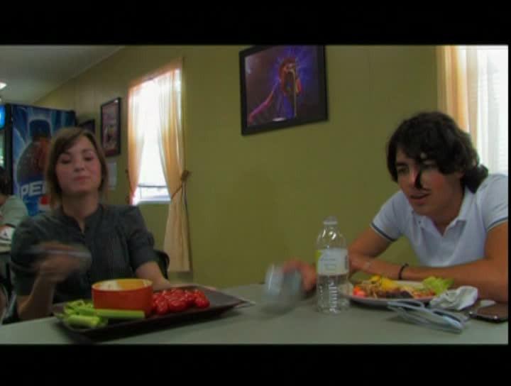 "Backstage Footage From Jonas Bros 2008 ""Burnin' Up ""-Tour (16:9 anamorph)"