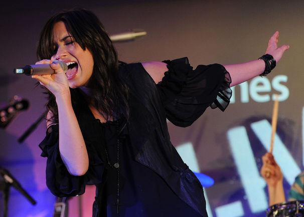 Demi Lovato, Jamsession mit den Jonas Brothers