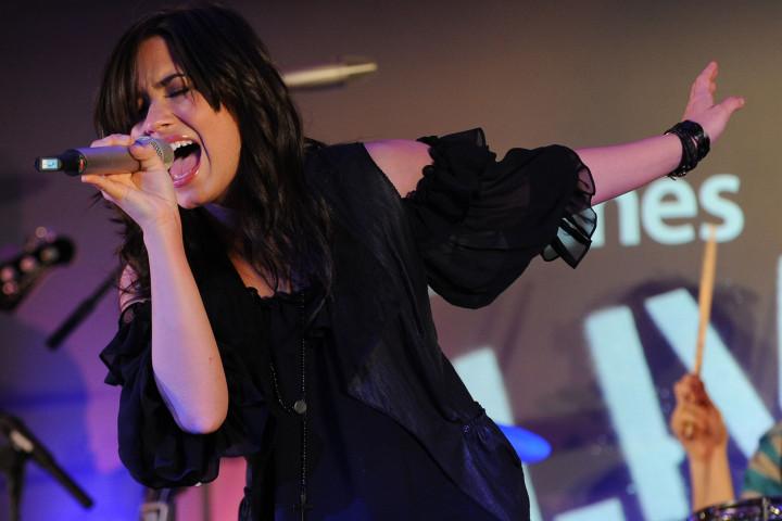 Demi Lovato iTunes London 2009