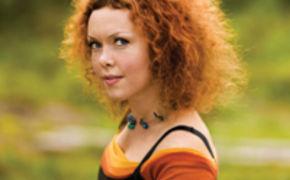 Kristin Asbjörnsen, Kristin Asbjørnsen singt einzigartige Songs