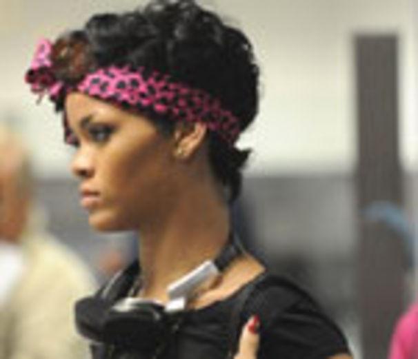 Rihanna, Rihanna singt über lesbische Liebe?!