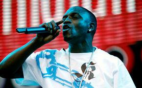 Akon, Akon auf der Flucht vor der Schweinegrippe?