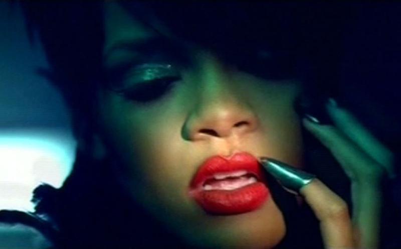 Rihanna, Disturbia