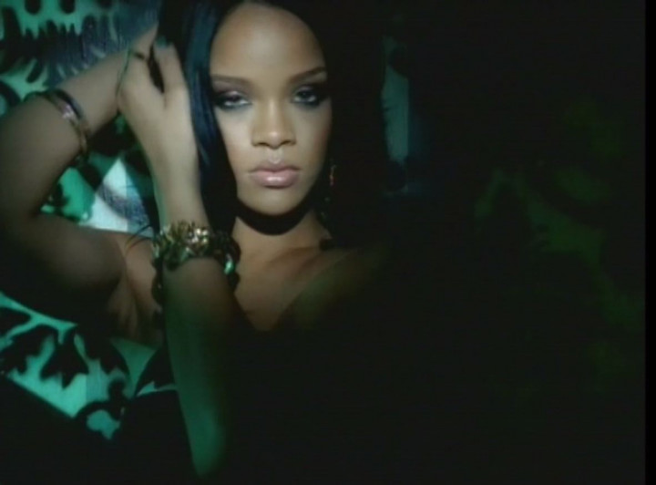 Rihanna - Don't Stop The Music - YouTube