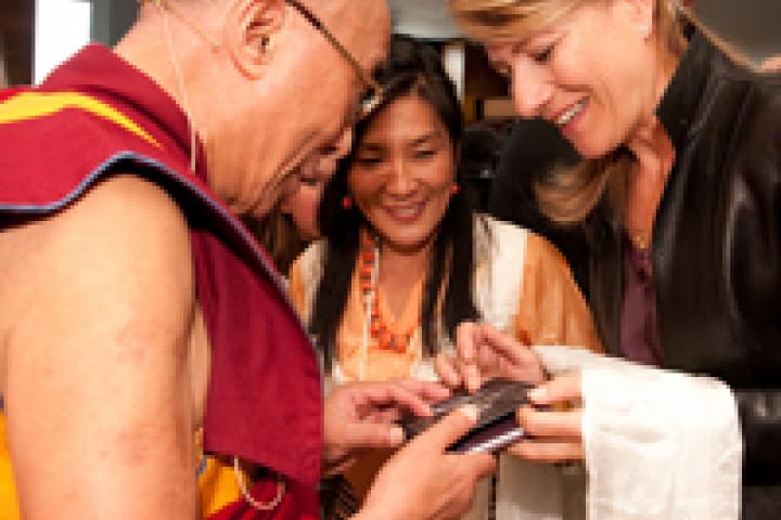 Beyond / Dalai Lama © Maunuel Bauer