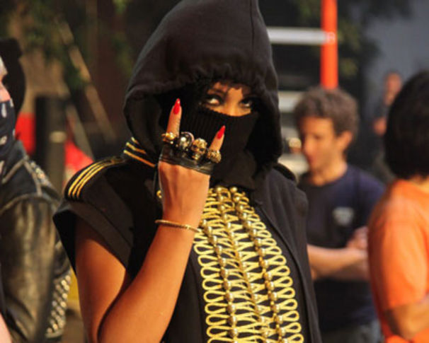 Rihanna, Jay-Z, RiRi & Kanye - Run This Town - Das Videosnippet!
