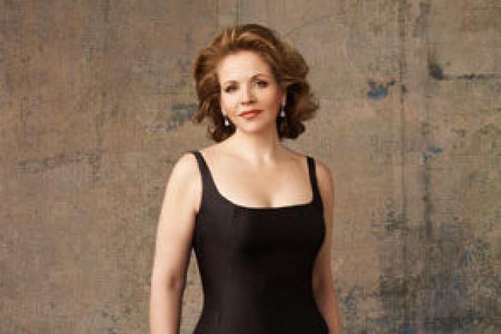 Renée Fleming im schwarzen Kleid © Andrew Eccles