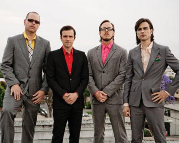 Weezer, Unfall mit Tourbus - USA Shows gecancelt