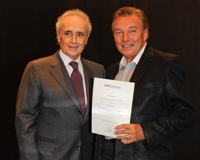 Karel Gott, Karel Gott wird Botschafter der Carreras Stiftung