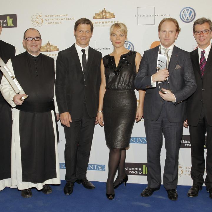 Pater Karl, Frank Briegmann, Elina Garanca, Daniel Hope, Christian Kellersmann ECHO Klassik Verleihung 2009 ©BVMI / Markus Nass