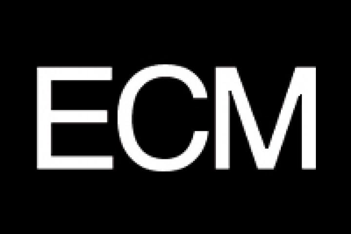 ECM Logo, weiß auf schwarz