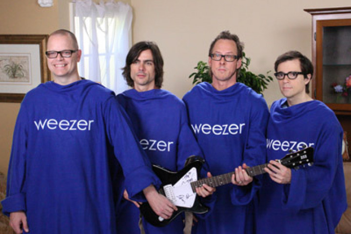Weezer Snuggies