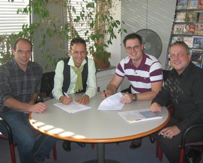 Die Jungen Zillertaler, Die Juzis verlängern Vertrag bei Koch Universal Music