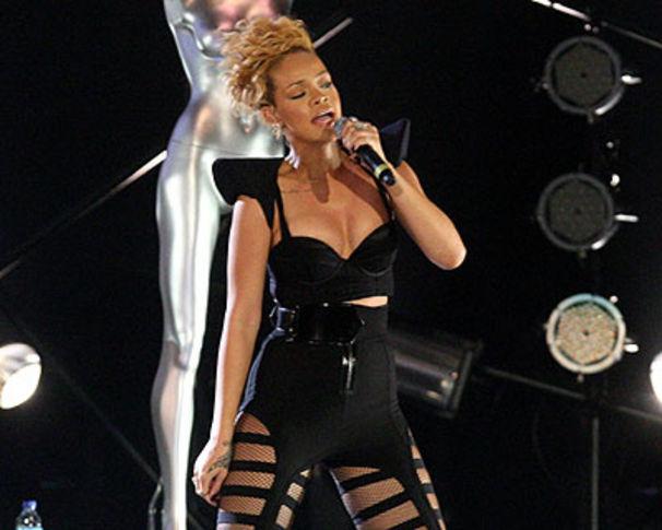Rihanna, Rihanna schuftete an Silvester in Abu Dhabi!