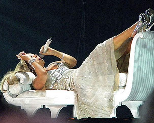 Mariah Carey, Mariah nimmt ihr Diva-Image auf die Schippe