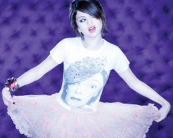 Selena Gomez, Selena ist bald auch in Deutschland zu hören
