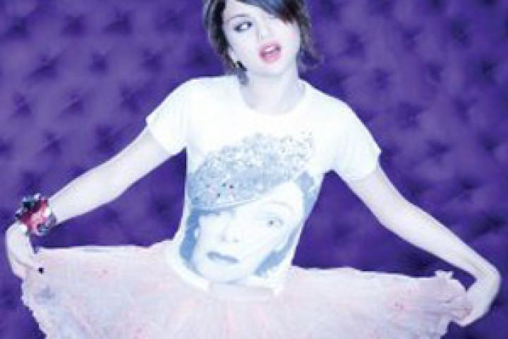 Selena Gomez 2010 - 25