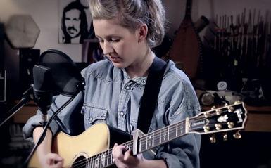 Ellie Goulding, Roscoe (Acoustic)