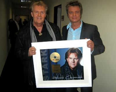 Howard Carpendale, Howard Carpendale bekommt Gold für das Album Stark
