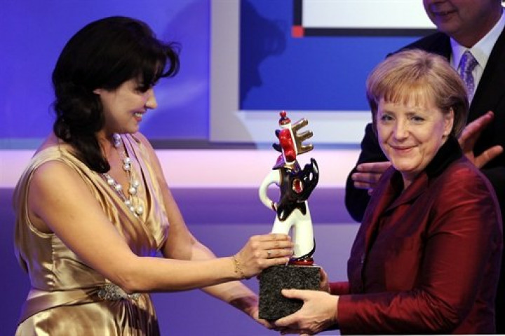 Anna Netrebko und Angela Merkel beim Deutschen Medienpreis