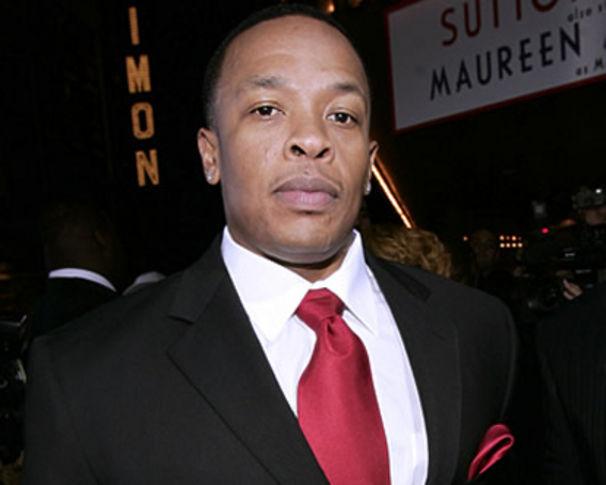 Dr. Dre, Dr. Dre verklagt Death Row Records