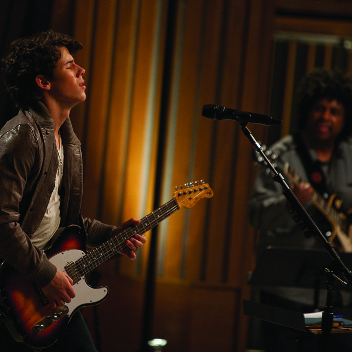 Nick Jonas and the Administration 9