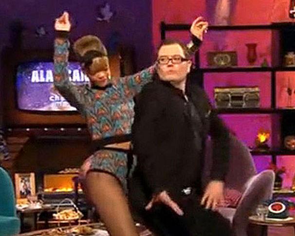 Rihanna, Rihanna erteilt schwulem Moderator eine Tanzlektion