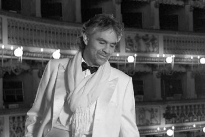 Andrea Bocelli in der Oper © Decca, Mario und Eva Mulas