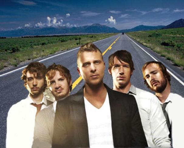 OneRepublic, Tourbus-Action mit OneRepublic