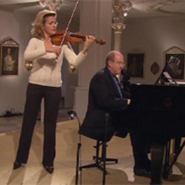 Anne-Sophie Mutter, Anne-Sophie Mutter spielt Brahms: Auszeichnung und Tournee