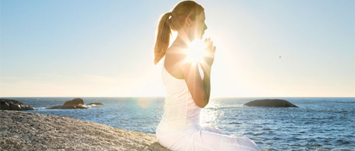 Ursula Karven - Yoga del Mar