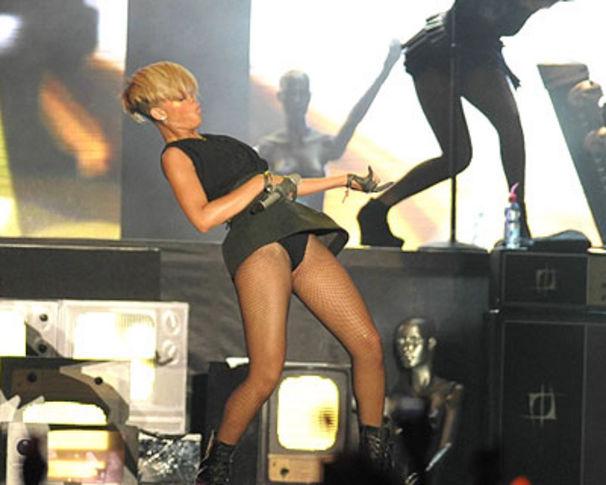 Rihanna, ... und es wurde HEISS: Rihanna live in Tel Aviv