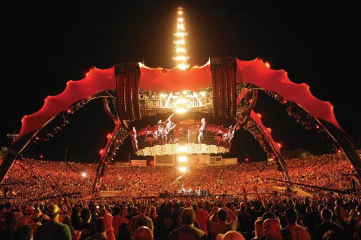 U2 - Live at the Rose Bowl