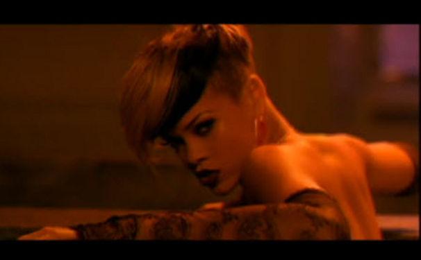 Rihanna, Rated R zum Schnäppchenpreis - ab 09.07. überall