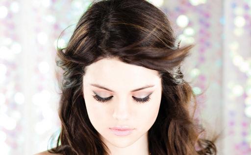 Selena Gomez 2010 - 04