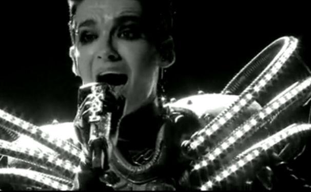 Tokio Hotel, Live DVD Humanoid City entert Platz 1 der Charts