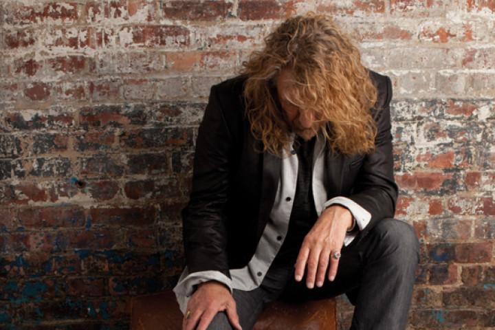 Robert Plant 2010 01