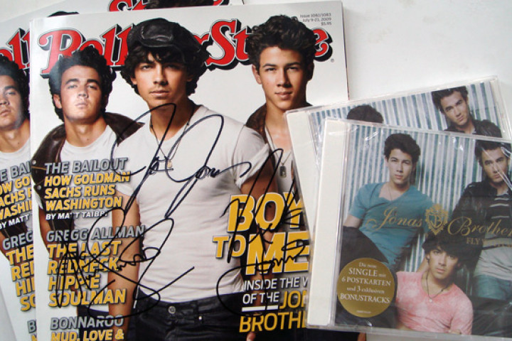 Pop24 Newsletter Giveaway Jonas Brothers