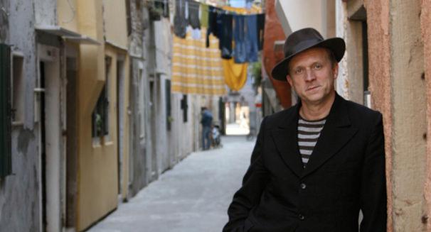 Ulrich Tukur, Europa um 3 nach 9