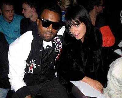 Kanye West, Lilly Allen hält Kanye die Stange