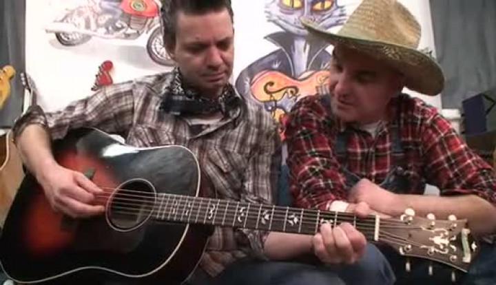 Mukketier TV - Wie funktioniert eine Akustikgitarre?