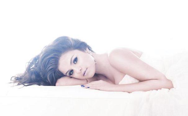 Selena Gomez, Selena ziert das Cover der ELLE