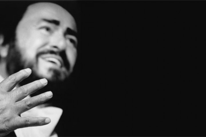 Luciano Pavarotti © Sacha Gusov / Decca
